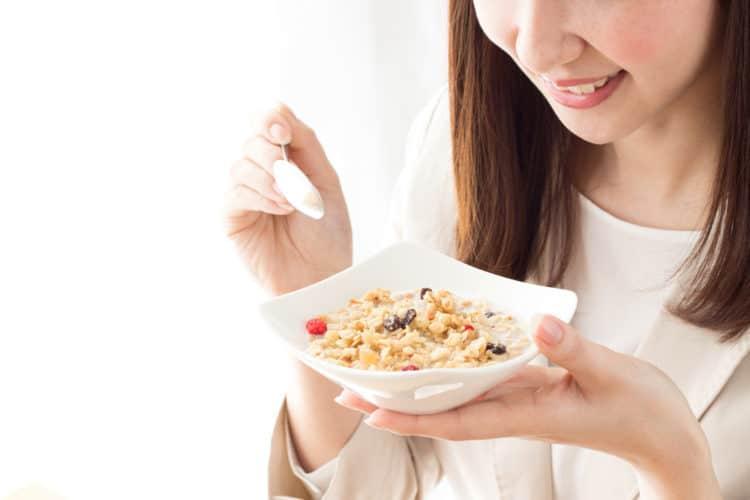 Ngũ cốc Calbee Furugura Walnut & Apple maple 700g-Nhập khẩu Nhật Bản